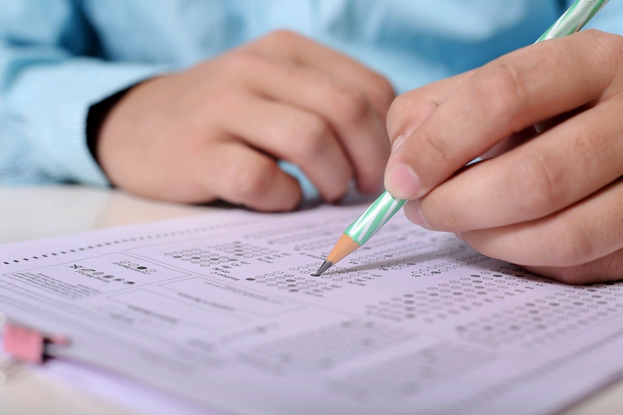 Tips for Passing the Written Communications Section of the BEC Exam